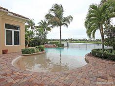 658 Hermitage Circle, Palm Beach Gardens, FL 33410 - See more at: http://homes.mypalmbeachfl.com/idx/details/homes/b006/RX-10071430/658-Hermitage-Circle-Palm-Beach-Gardens-Florida-RX-10071430
