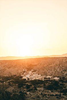 Eine Reise in den #Oman geplant? Wir haben alle #Insidertipps Bergen, Lilies, Mountains, Nature, Travel, Hiking Trails, Continents, Traveling With Children, Morocco
