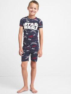 Gap Boys Gap | Star Wars™ Short Sleep Set Dark Knight Young Boys Fashion, Teen Boy Fashion, Cute Kids Fashion, Mens Fashion, Boys Pjs, Boys Pajamas, Kids Boys, Cute Little Girl Dresses, Cute Little Girls