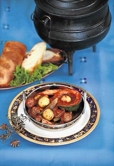 This fragrant vegetarian potjiekos is a great dish for a lazy Sunday afternoon braai. The vegetables are braised in red wine with warm spices like star anise, cloves and bay leaves; it makes a hearty main course but can also be served as accompaniment to meat cooked over the coalsServes: 4Ingredients:80ml (1/3 cup) olive oil10 small pickling onions, peeled2 bay leaves2 star anise2 cloves5ml (1 tsp) ginger and garlic paste30ml (2 tbsp) chilli powder5ml (1 tsp) ground cumin10ml (2 tsp) ground… Braai Recipes, Barbecue Recipes, Cooking Recipes, Vegetable Recipes, Vegetarian Recipes, Vegan Casserole, Hot Pot, South African Recipes, Mixed Vegetables