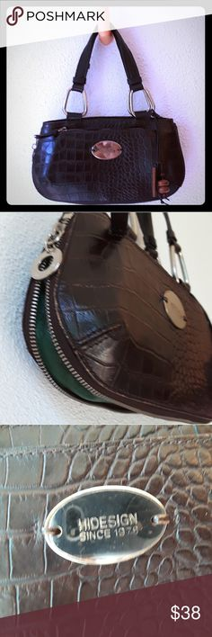 Hidesign Leather Handbag Dark brown croco-embossed leather purse with green leather bottom expansion zipper. Wooden logo fob. Top zipper, double handles, and inside pockets. Back zipper cell phone pocket. Small rusty spots on silver logo plate. Hidesign Bags