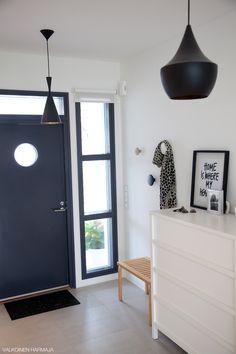 Via Valkoinen   Black and White   Hallway   Tom Dixon Lamp (http://www.cimmermann.co.uk/product/beat_wide/)