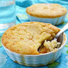 Bisquick Peach Cobbler - juicy peaches topped with tender Bisquick mix batter in this simplified traditional peach cobbler recipe.