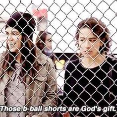 """21 Ways You And Your BFF Are Just Like Abbi And Ilana From """"Broad City"""""""