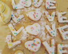 Имбирные печеньки про любовь 😍 и взбитый крем-мёд🍯