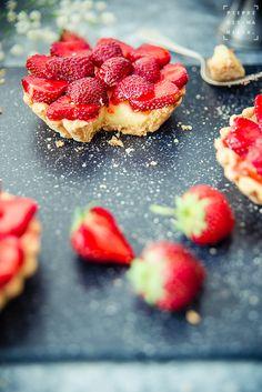 pieprz czy wanilia fotografia i kulinaria: Mini – tarty. Z truskawkami.