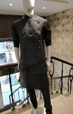 Dress Mens Indian Wear, Mens Ethnic Wear, Indian Groom Wear, Indian Men Fashion, Mens Fashion Wear, Wedding Kurta For Men, Wedding Dress Men, Kurta Pajama Men, Kurta Men