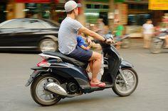 Street Life - Hanoi (Subtitle Pretty Dangerous)