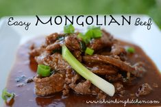 This Mongolian beef recipe comes together quickly and will please everyone at the table. Serve with brown rice and steamed broccoli. Easy Mongolian Beef, Mongolian Beef Recipes, Clean Eating Recipes, Healthy Eating, Cooking Recipes, What's Cooking, Kitchen Recipes, Beef Dishes, Food Dishes