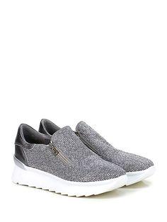 FRUIT - Sneakers - Donna - Sneaker in camoscio con micro borchie su tomaia e zip su ambo i lati. Suola in gomma light, tacco 40, platform 30 con battuta 10. - GREY - € 238.00