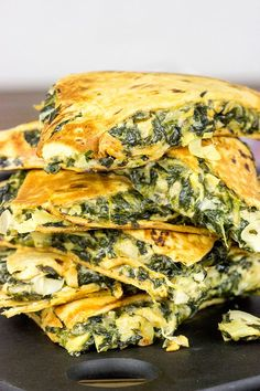 As the nights turn colder, it's time to warm up with some tasty comfort food.like these Spinach Artichoke Quesadillas! Use GF Tortilla Shells! Veggie Recipes, Mexican Food Recipes, Vegetarian Recipes, Cooking Recipes, Healthy Recipes, Frozen Spinach Recipes, Healthy Lunches, Healthy Eating, Tamales