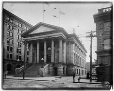 1905 - Old Custom House. For the history of the Norfolk Customhouse go to http://cbp.gov/custoday/dec2000/tradition.htm