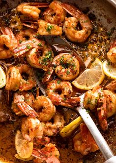 Pan filled with freshly cooked Garlic Prawns Bbq Prawns, Chilli Prawns, Grilled Prawns, Garlic Prawns, Prawn Shrimp, Prawn Dishes, Seafood Dishes, Seafood Recipes, Recipes