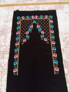 HUZUR SOKAĞI (Yaşamaya Değer Hobiler) Prayer Rug, Elsa, Diy And Crafts, Cross Stitch, Embroidery, Holiday Decor, Crochet, Design, Home Decor