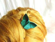 PAPILLON origami en soie sauvage bleu-vert sur peigne, accessoire de coiffure…