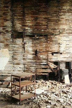 Abandoned hospital, St. Louis   ~ joguldi @ flickr