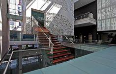 Museo Memoria y Tolerancia por Arditti + RDT Arquitectos. Este proyecto fue diseñado por el despacho Arditti + RDT Arquitectos, integrado por los arquitectos Mauricio, Arturo y Jorge Arditti. Desde la planeación hasta su apertura en octubre de 2010, llevó 10 años. El museo se localiza en la ciudad de México. El objetivo del lugar, es que en México haya un espacio con referencia democrática y multicultural. http://www.podiomx.com/2013/05/museo-memoria-y-tolerancia-por-arditti.html