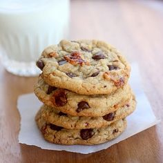 Share Tweet Pin Mail Seriously…bacon in a chocolate chip cookie? But it's not just bacon. It's candied bacon. So it totally goes together, right? ...