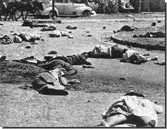 The killings at Soweto. The government announced that Afrikaans was to be taught in all black schools. In the police firing on protesters 200 died at Soweto. Africa People, Apartheid, Epic Photos, African Diaspora, Prehistory, Historical Pictures, African History, Vietnam War, Pictures Images