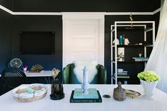 Layered pieces for the perfect office | Black Lacquer Design