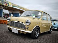 Mornin Miniacs I fancy a Sunday Drive today. Taking it in this mk1 themed beauty from our friends in Japan would be perfect! Have a great day folks