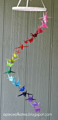 This origami crane rainbow mobile is sure to brighten up your room and test your dexterity :) (via Sugar Bee Crafts) - peace cranes Origami Arco Iris, Rainbow Origami, Rainbow Paper, Bee Crafts, Diy And Crafts, Arts And Crafts, Foam Crafts, Kids Crafts, Diy Paper