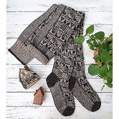 13531836_1239159752790841_1143650654_n_small2 Fair Isle Knitting, Fingerless Gloves, Arm Warmers, Vibrant, City, Winter, Knitting Ideas, Instagram, Fashion