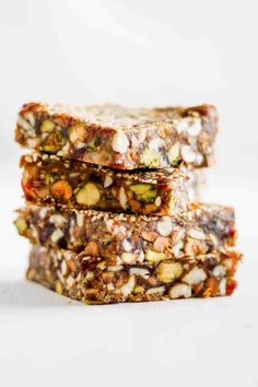 These Sesame Date Bars are super easy to make and packed with plant-based protein from chickpeas, nuts and seeds. My favorite homemade no bake energy bars! Vegetarian Recipes Easy, Snack Recipes, Healthy Recipes, Breakfast Recipes, Dessert Recipes, Healthy Muesli Bar Recipe, Party Recipes, Vegan Breakfast, Brownie Recipes