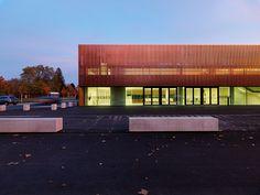 Finaliste/Shortlisted: Gymnase St. Martin, Villach, Autriche | Copperconcept.org #copper #cuivre #architecture #building #design