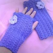 Lacy Wrist Warmers - Fingerless Gloves - via @Craftsy