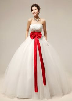 Sweet Diamond Embellished Strapless Off The Shoulder Sleeveless Ball Gown Floor length White Grid Yarn Wedding Dress