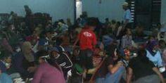 merdeka.com - Menengok kondisi pengungsi erupsi Gunung Kelud | merdeka.com