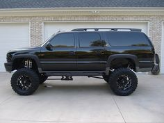 lifted chevy suburban pictures | 2003 Chevrolet SUBURBAN $21,000 - 100415298 | Custom Lifted Truck ...