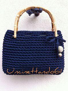 17529c83db borsa in fettuccia di nylon blu notte con manici bambu', decorazione fiocco  in fettuccia , perla in vetro e perla rivestita in spago