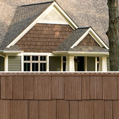 Cedar Discovery® features the rugged good looks of real cedar shake and shingle siding without the hassle of regular staining, painting and replacing. Exterior Siding Colors, Exterior House Siding, Craftsman Exterior, House Exteriors, Exterior Paint, Cedar Shingle Siding, Cedar Shake Siding, Vinyl Shake Siding, Mastic Siding
