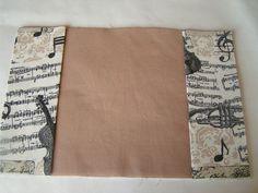 Březen měsíc knihy: návod na textilní obal na knihu | Korálky.stoklasa.cz Notebook, Journals, Album, Scrappy Quilts, Cape Clothing, Tejido, Cover Books, Music, Diaries