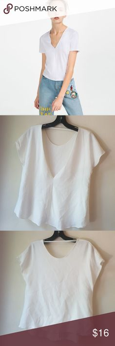 Zara ○ Basic Collection White Top  M This is in excellent condition. No flaws. Soft V neck line. Cute optional off the shoulder or buttoned . Women's M Zara Tops