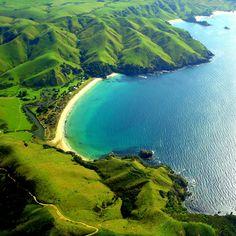 Taupo Bay , New Zealand