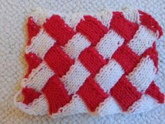 Knitted entrelec by Frankie