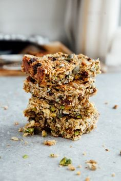 Protein Breakfast Flapjack Bars (Vegan + Paleo)