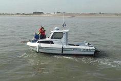 Een sportvisboot uit Breskens kreeg vrijdagochtend te maken met motorstoring. De KNRM reddingboot van Breskens voer uit ter assistentie en kon haar veilig binnen brengen.