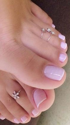 Pin by robert kirby on beautiful toes педикюр, сандалии, мод Nice Toes, Pretty Toes, Creative Nail Designs, Toe Nail Designs, Manicure Y Pedicure, Pedicures, Pretty Nail Colors, Foot Pics, Foot Love