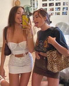 Trendy Outfits, Summer Outfits, Fashion Outfits, Fashion Tips, Modelos Fashion, Cute Friends, Mode Vintage, Look Fashion, Winter Fashion