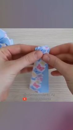 BOWS TUTORIAL , Super easy and adorable bow tutorial! Ribbon Hair Bows, Diy Hair Bows, Diy Bow, Diy Ribbon, Ribbon Flower, Fabric Flowers, Hair Bow Tutorial, Fabric Bow Tutorial, Flower Tutorial