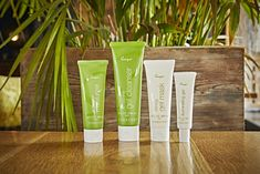 Having trouble finding the perfect cleanser for your combination skin? Our Sonya Refreshing Gel Cleanser could be the perfect solution for you, its packed with Rich antioxidants like apple amino acids and hydroxyacetophenone support combination skin. Aloe Vera, Lotion, Forever Business, Best Skincare Products, Forever Living Products, Combination Skin, Skin Brightening, Natural Skin Care, Health Products