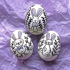 Doodled Easter Eggs. A great alternative to the tradition of dyeing eggs. A fun craft for kids and parents alike.