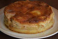 Tort cu mere si crema de zahar ars - CAIETUL CU RETETE Yami Yami, Christmas Cookies, Cheesecake, Food And Drink, Pie, Sweets, Breakfast, Desserts, Pies