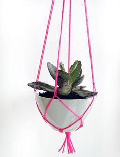 Macramé-Plant-Hanger.jpg 572×751 pixels