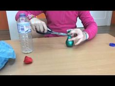 Estudiantes Creando Tutoriales ROU - Vicente Risco: Estudiantes de 6º nos enseñan a hacer malabares Water Bottle, Drinks, Infant Crafts, Students, Learning, Parts Of The Mass, Studio, Tutorials, Drinking