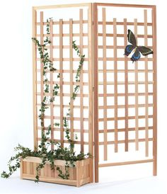 3 Piece Planter Set with Trellis Screen